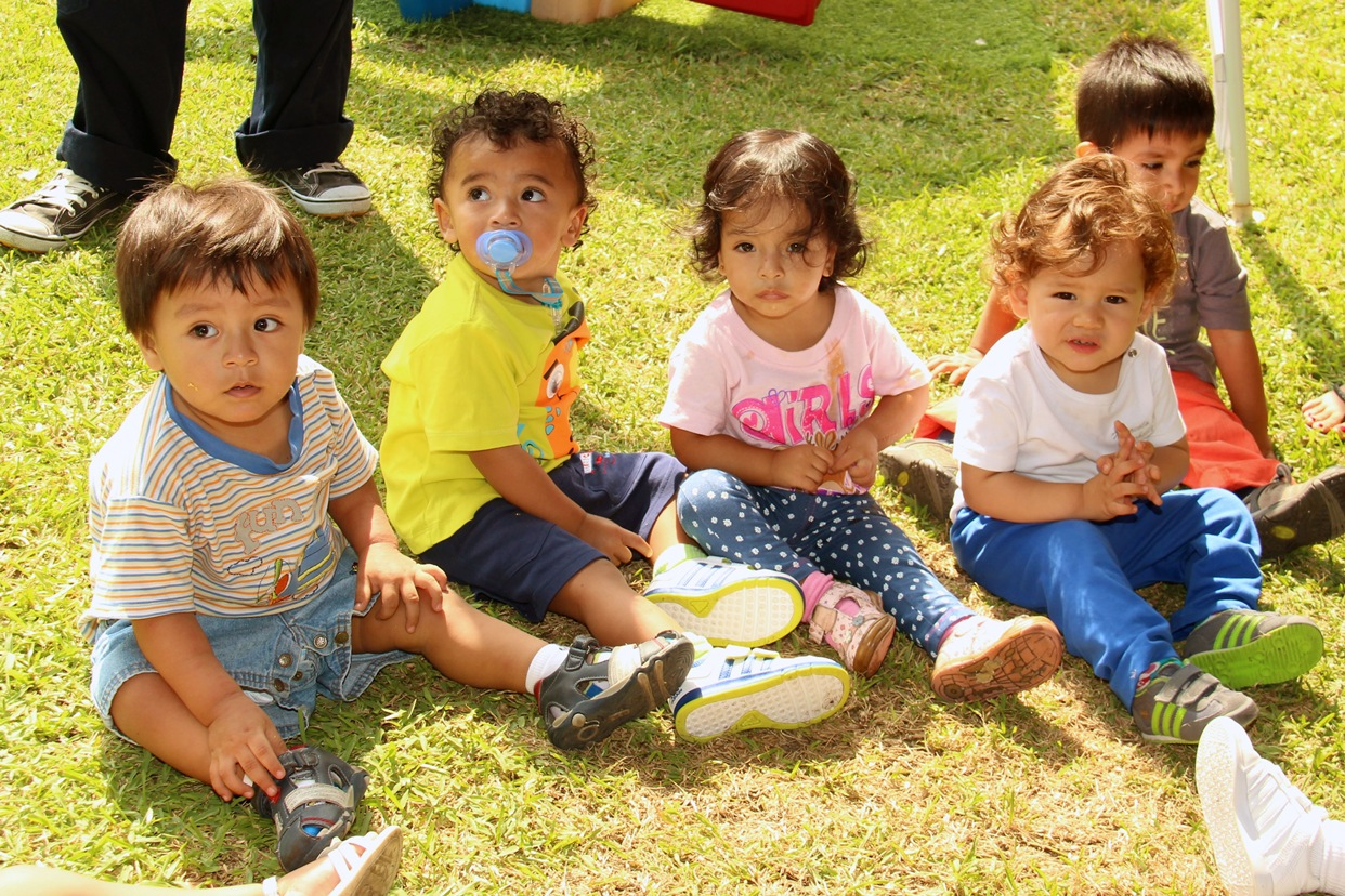 people-girl-play-community-park-child-picnic-family-angel-children-innocent-happy-playground-toddler-kindergarten-babies-caprice-family-reunion-709187